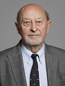 Официальный портрет лорда Пендри 2020 урожай 2.jpg