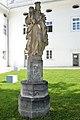 Ossiach Benediktinerstift Stiftshof Statue Madonna mit Kind 19092014 855.jpg