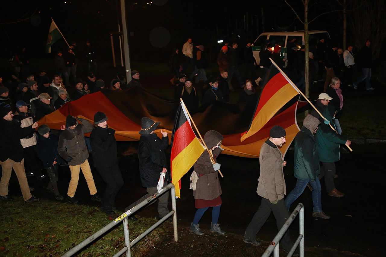 PEGIDA DEMO DRESDEN 5 JAN 2015 16082840268.jpg