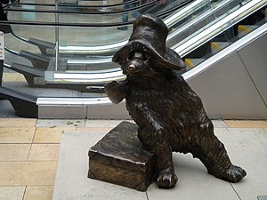 English: Paddington Bear, Paddington Station W2