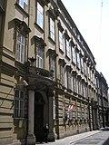Palais_Questenburg-Kaunitz_Vienna_August_2006_001.jpg