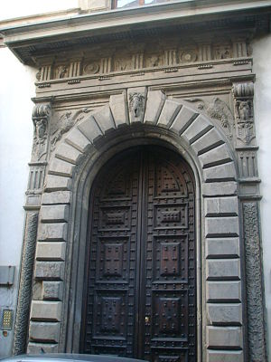 Palazzo Giugni - Portal of the palace