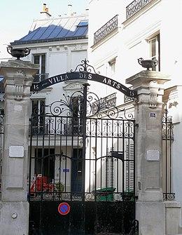 Portail de la Villa des Arts