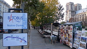 Paris 75005 Quai de Montebello Batobus boarding point Notre-Dame sign 2010.jpg