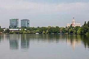 Herăstrău Park - Image: Parque Herastrau, Bucarest, Rumanía, 2016 05 30, DD 04