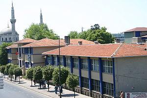 Pertevniyal Valide Sultan Mosque - Image: Pertevniyal Anadolu Lisesi
