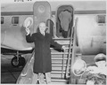 Photograph of President Truman preparing to board an airplane at Washington National Airport for his vacation trip to... - NARA - 200131.tif