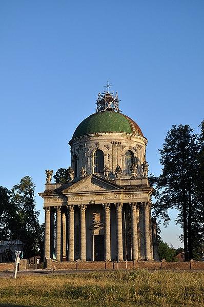 Костел Св. Йосифа, Підгірці. Автор фото — Rbrechko, ліцензія CC-BY-SA-4.0