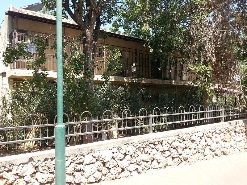 בית תותח-שתי קומות, בעליונה מסדרון לכל ארכה