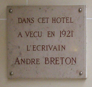 Français : Plaque en mémoire du poète André Br...