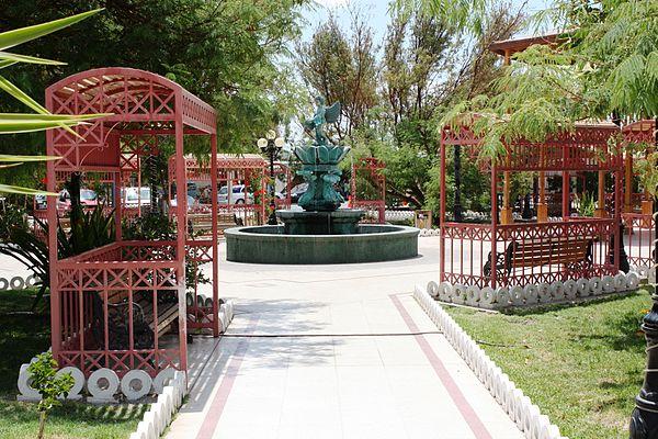 Plaza pública de Pica.jpg