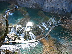 Plitvice Lakes, Barrier between Gavanovac and Kaluderovac.JPG