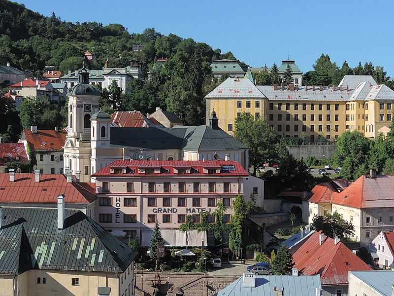 File:Pohľad na hotel Grand Matej - panoramio.jpg
