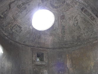 Pompeii forum baths caldarium dome.jpg