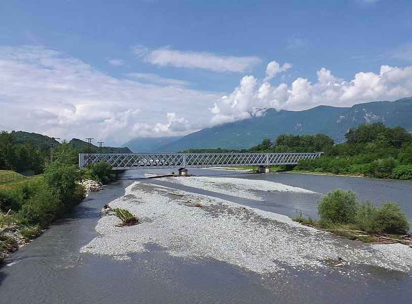 Sight of the Maurienne line (from Culoz to Italy by Chambéry) railway bridge crossing the river Isère in Savoie, France.