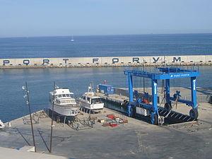 Port Fòrum - grua.JPG