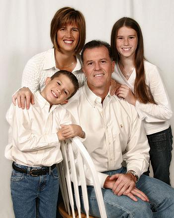 English: Sample family portrait photo.