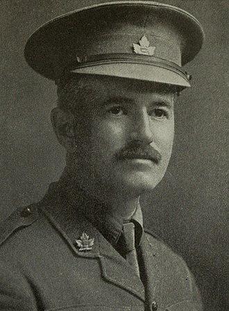 George Harold Baker - Image: Portrait of George Harold Baker in uniform in 1915