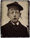 Portrett av Roald Amundsen som åtteåring - Portrait of Roald Amundsen at 8 years old (28127778415).jpg