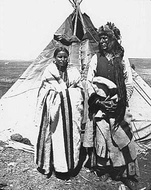 Pîhtokahanapiwiyin - Image: Poundmaker with woman