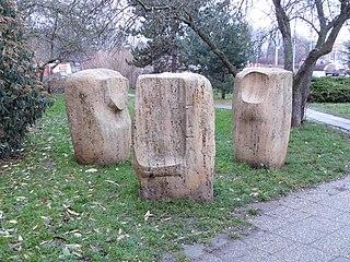 sculpture at Pujmanové street