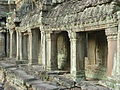 Preah Khan - 007 Cloister (8580008330).jpg