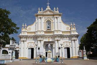 Immaculate Conception Cathedral, Pondicherry - Image: Puducherry Immaculate Conception Cathedral 2
