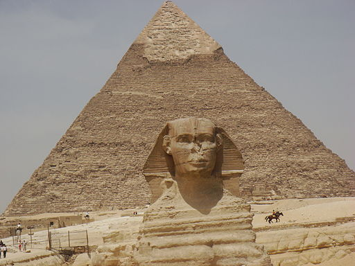 Pyramid and sphinx Giza