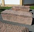 Römische Sarkophage - panoramio.jpg
