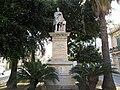 Reggio Calabria-statua di Federico Genoese.jpg