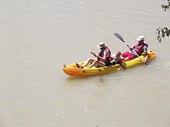Rio Guadalquivir - canoe rowing (14758338561).jpg