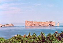 Rocher perce gaspesie.jpg