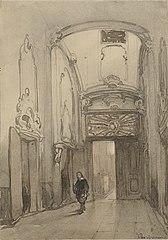 Rococo portaal in het stadhuis in Den Haag met een man in zeventiende-eeuws kostuum