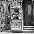 Rome (). Mobiel kapelletje met kruisbeeld en zielen in het vagevuur met een opr, Bestanddeelnr 254-5492.jpg