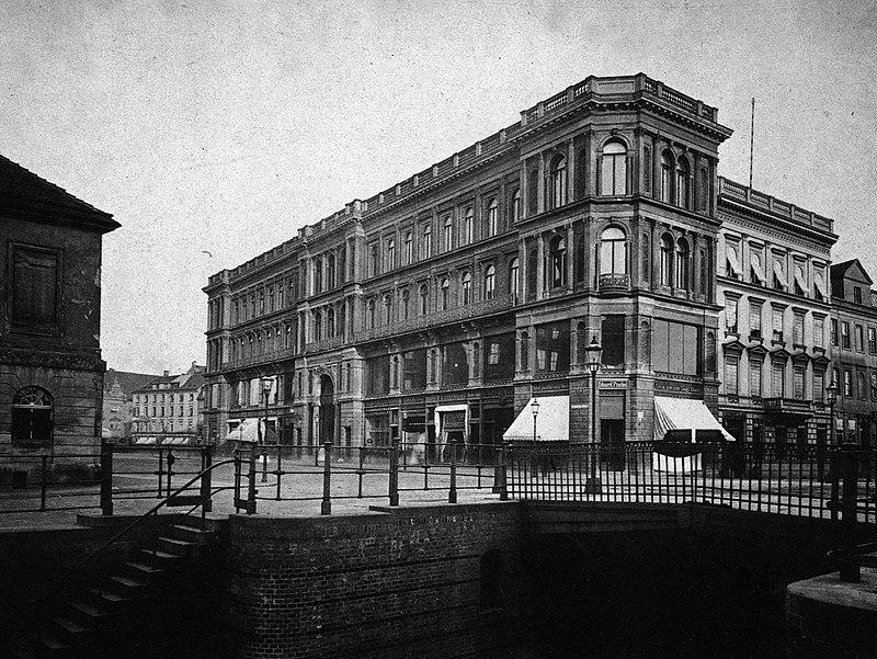 File:Rote Burg, Berlin 1880.jpg