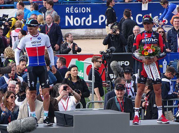 Roubaix - Paris-Roubaix, 12 avril 2015, arrivée (B11).JPG