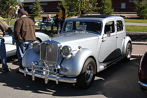 Hot rod - Hot-rodded prewar British Rover 10
