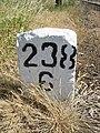 Słupek kilometrażowy linii kolejowej nr 203.jpg