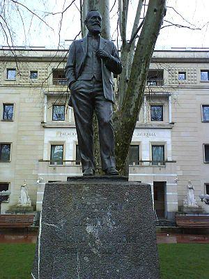 Sabino Arana - Statue in Abando, near Sabin-Etxea.