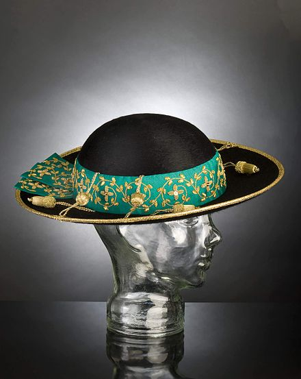 Sombrero de teja (en italiano saturno 2e2dbca3e79