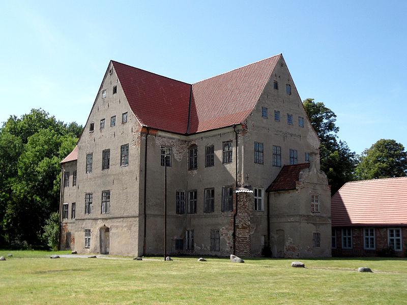 file schloss ludwigsburg vorpommern 1577 1592 jpg wikimedia commons. Black Bedroom Furniture Sets. Home Design Ideas