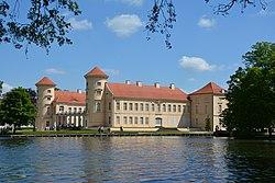 Schloss Rheinsberg - Ansicht.jpg