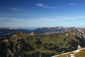 Schynige Platte - Image: Schynige Platte and Loucherhorn