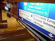 Señalizacion bilingue bruselas.jpg