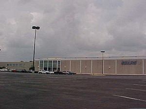 Westwood Mall (Houston) - The Sears at Westwood Mall, which is still open for business