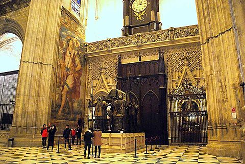 Seville cathedral dress code