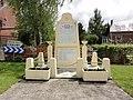 Servais (Aisne) monument aux morts.JPG