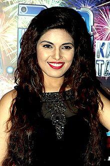 Shubhi Ahuja - Completion of 200 episodes bash of Yaro Ka Tashan (09).jpg