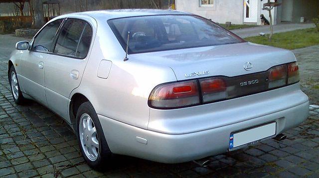 Side profile of Lexus GS 300