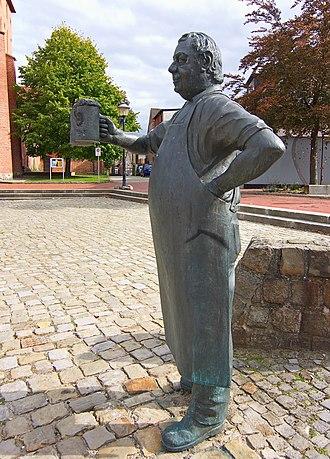 Wittingen - Brewer sculpture  (1998 by Georg Arfmann)